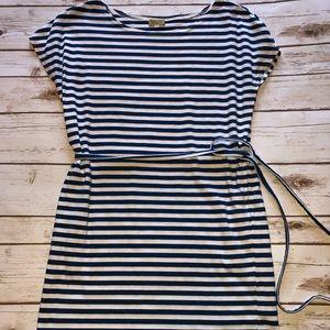 🎇Piko soft white & blue striped dress w/pockets🎆